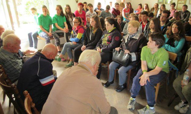 Obisk spominske hiše Molniške čete v Sostrem