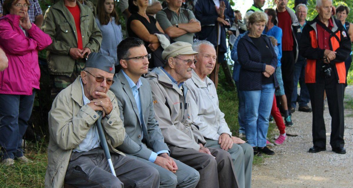 Slovesnost na Slopeh na prevalu med Tuhinjsko in Zadrečko dolino