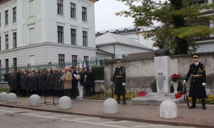 Spominska slovesnost pri poljanski gimnaziji v Ljubljani