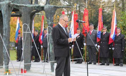 Govor Tita Turnška pri spomeniku NOB na Žalah, 28. 10.