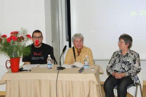 O partizanskem vojaškem in civilnem zdravstvu so spregovorili Janez Bršec, dr. Zora Konjajev in Živa Vidmar.