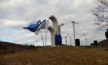 Obnovljeni spomenik enotam NOB na Kovku na Majeriji