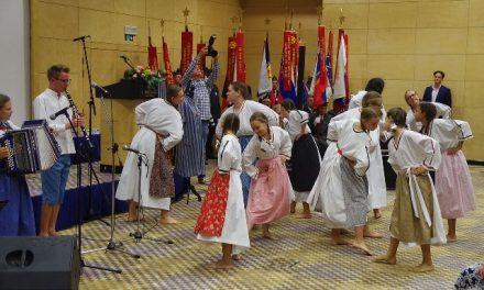 Tradicionalno srečanje taboriščnic, izgnan in ukradenih otrok v Portorožu
