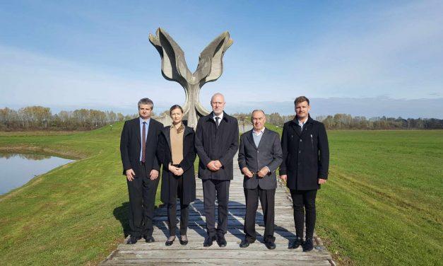 Komemoracija ob dnevu spomina na mrtve v taborišču Jasenovac