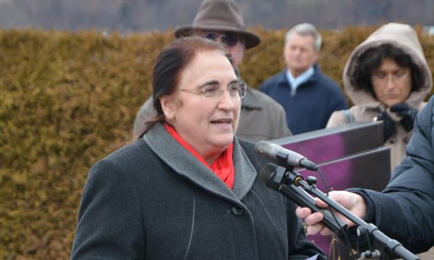 Dr. Ljubica Jelušič, Sveče pri Bistrici v Rožu