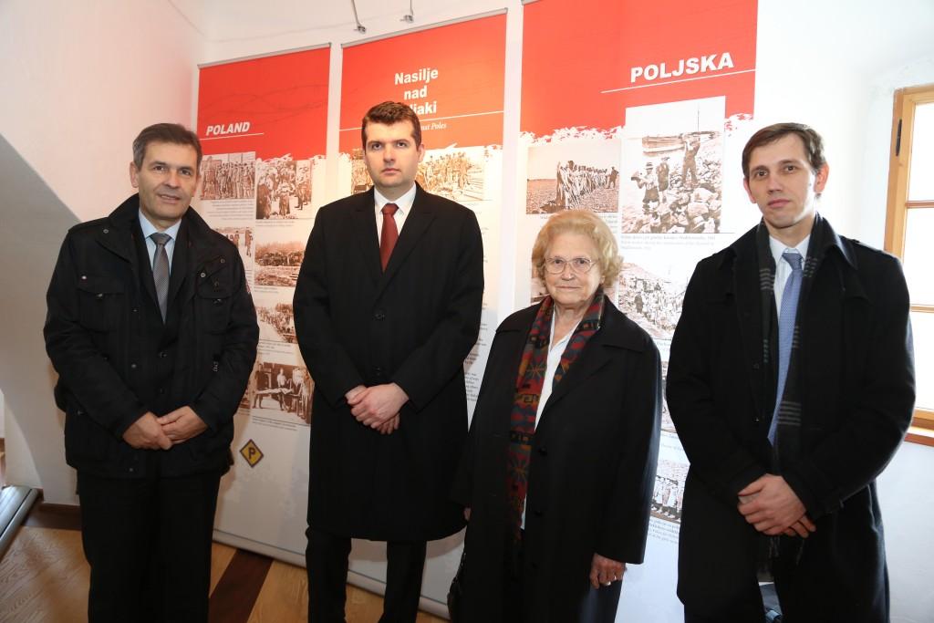 Župan Krškega Miran Stanko (levo), predstavnik poljske ambasade Rafal Budyta, Ivica Žnidaršič in predstavnik ruskega veleposlaništva Sergej Ivanov.
