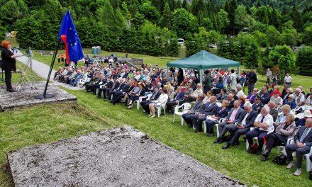 Ob 72. obletnici osvoboditve koncentracijskega taborišča pod Ljubeljem