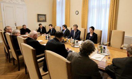 KoDVOS se je sestal s predsednikom vlade