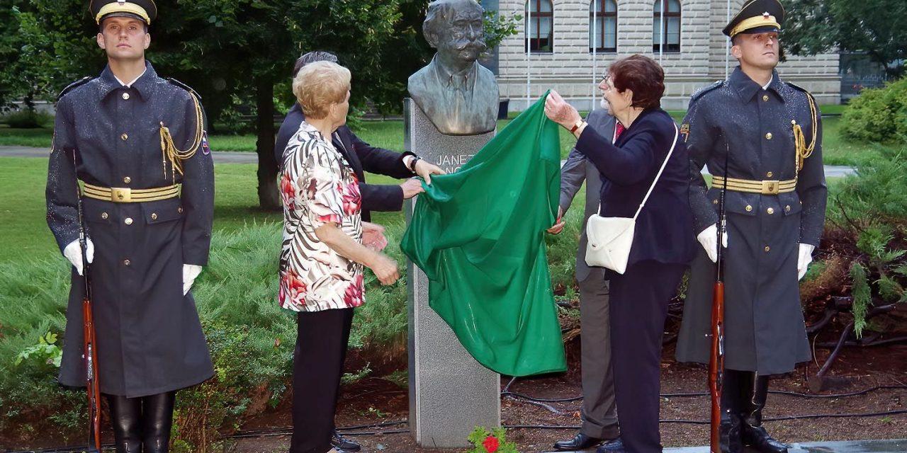 Govor Julijane Žibert ob odkritju doprsnega kipa Janezu Stanovniku – 4. avgust 2020